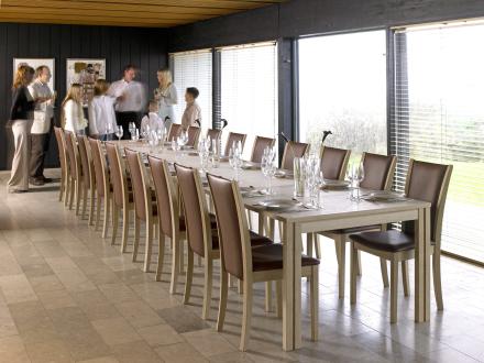Skovby sm 24 spisebord   danbo møbler